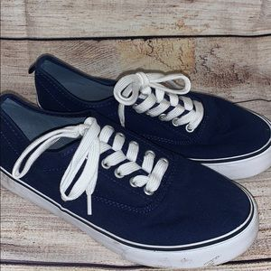 Boys size 4 Navy Old Navy shoes